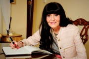 TN-SmartInterview-HilaryDevey